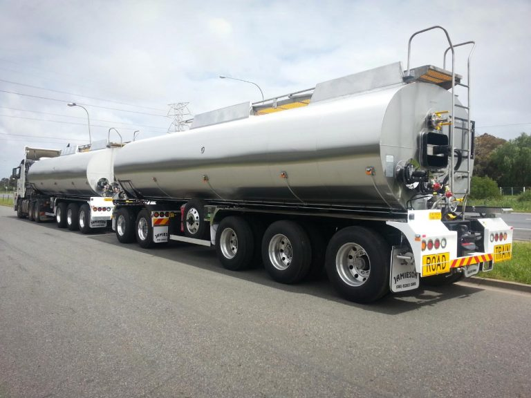 29/30kl Bitumen Pocket Set (WA) - Jamieson Trucks - Rear Side View