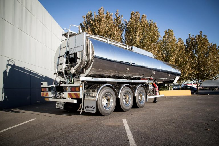 30,000L Ultra Bitumen Tanker - Jamieson Trucks - Rear Side View 3