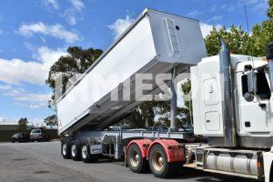 Steel Tri Axle Rear Chassis Tipper