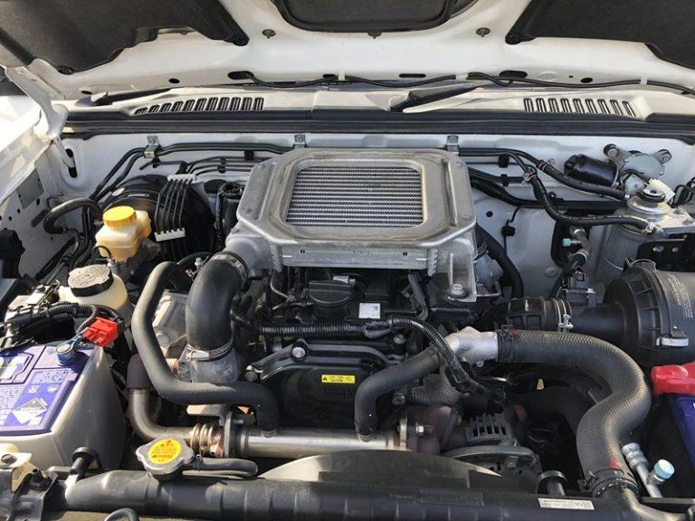 Navara ST-R D22 Manual 4x4 Dual Cab - Jamieson Trucks - Engine