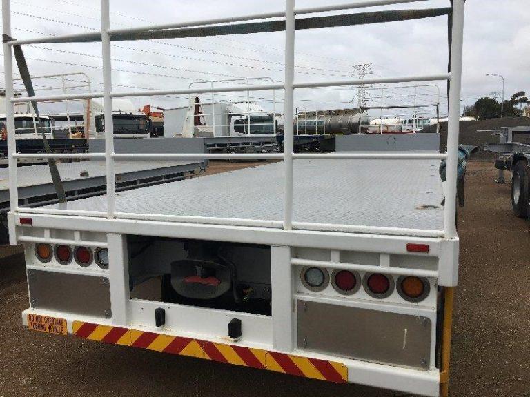 Dropdeck Tri Axle Semi Trailer - Rear View