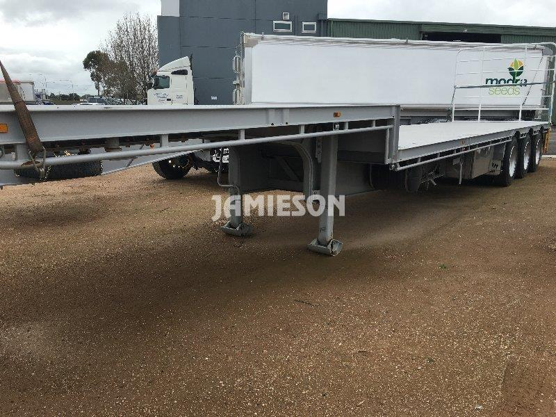 Dropdeck Tri Axle Semi Trailer - Front Side View