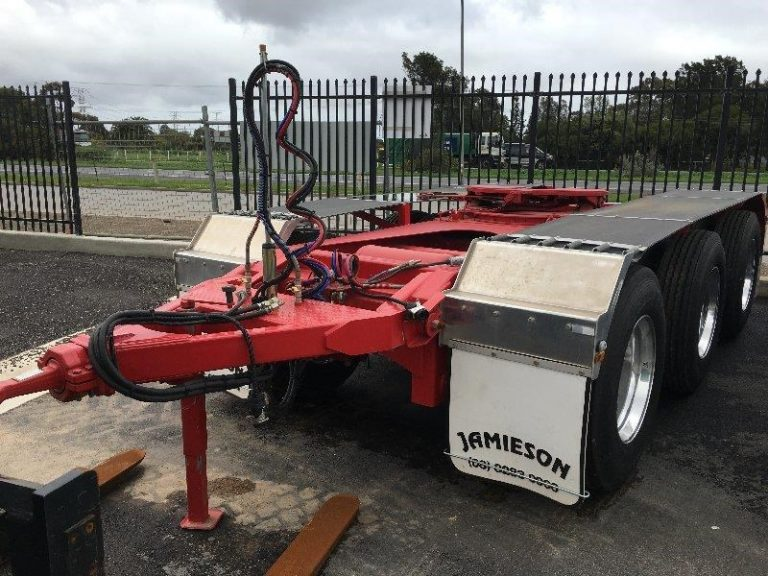 Tri Axle Roadtrain Dolly - Jamieson Trucks - Front Side View