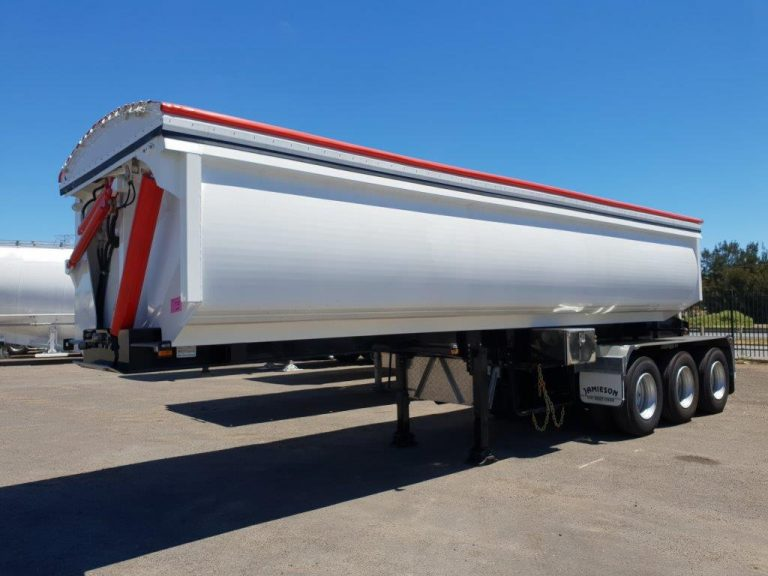 Hardox Side Tri Axle Semi Tipper - Fornt Side View 3