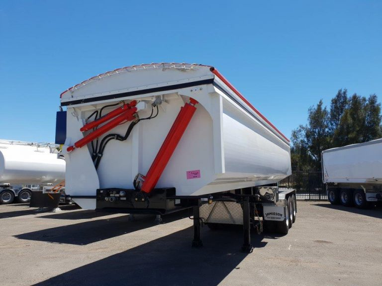 Hardox Side Tri Axle Semi Tipper - Front Side View 2