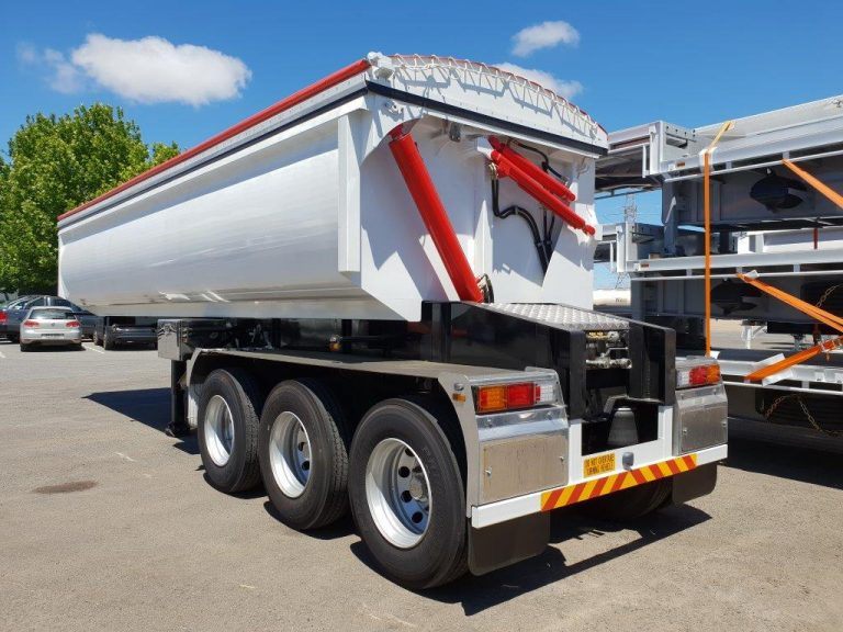 Hardox Side Tri Axle Semi Tipper - Rear Side View