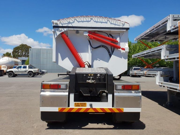 Hardox Side Tri Axle Semi Tipper - Rear View 2