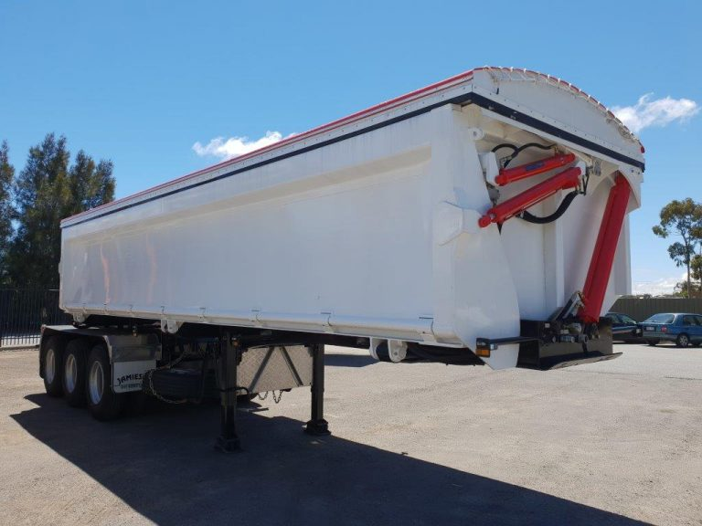 Hardox Side Tri Axle Semi Tipper - Front Side View