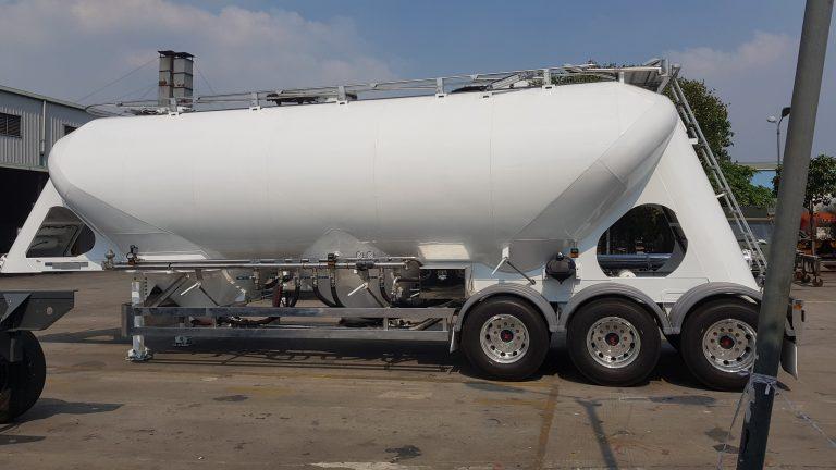 Pneumatic Food Grade Cement Tanker - Rear Side View 2