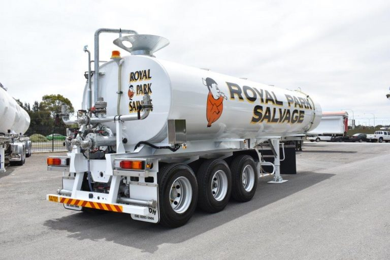 28,000 Remote Control Water Tanker - Rear Side View