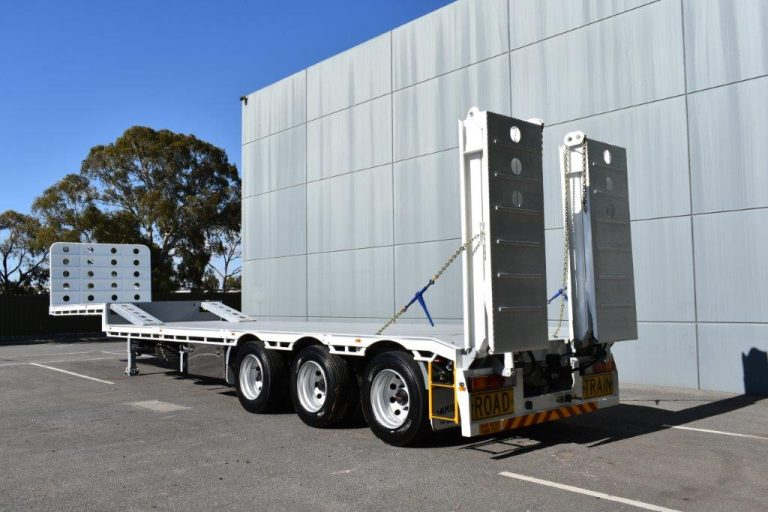 Drop Deck 45' – Bi-fold Rear Hydraulic Ramps – Front Ramps – Road Train – Semi – Tri Axle Trailer