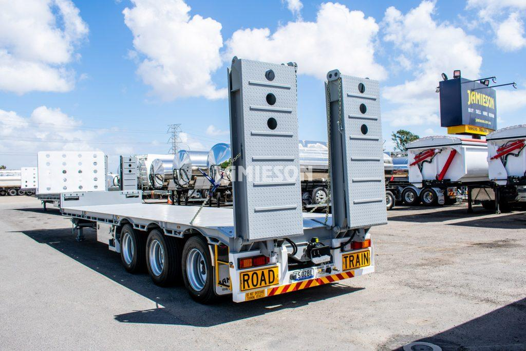 Drop Deck Trailer - Tri-Axle - With Beaver Tail & Bi-Fold Diesel Powered Hydraulic Ramps - Road Train Rated - 13.7m (45')