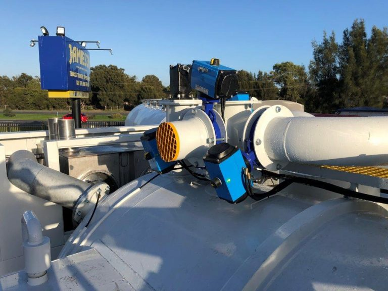 IRVT4000 Industrial Recovery Vacuum Truck – Truck-Mounted Vacuum / Hydro Excavation Unit