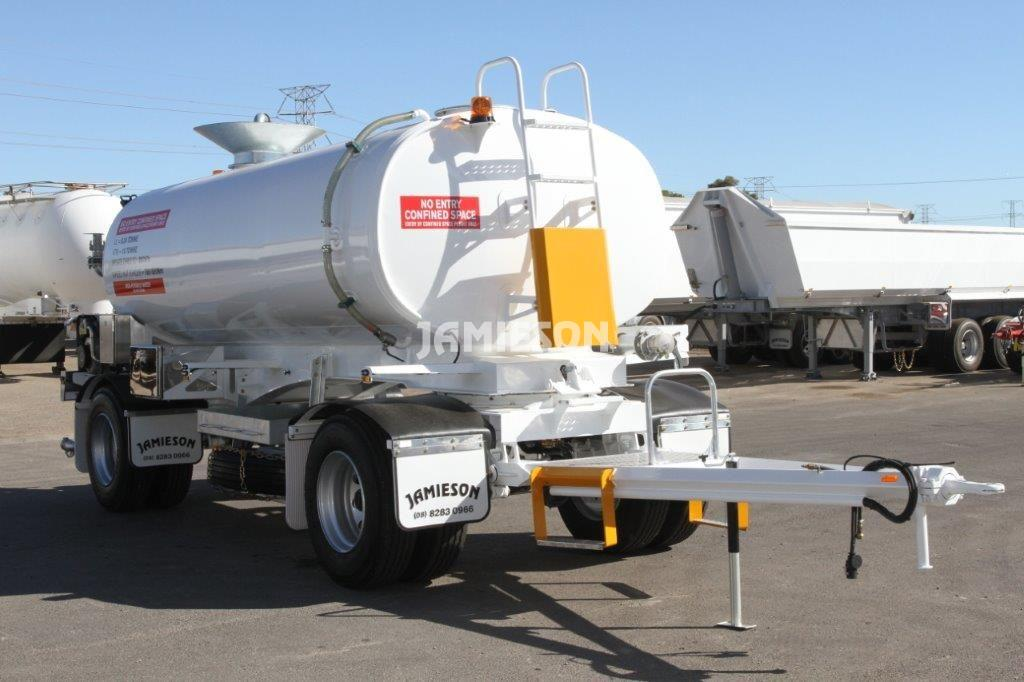 Water Tanker Two-Axle Dog With Remote Control Dust Suppression - 12kL