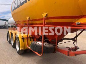 2002 Kockums B-Double Pneumatic / Dry Bulk Tanker Set - 30m3 / 31m3 Tri-Axle